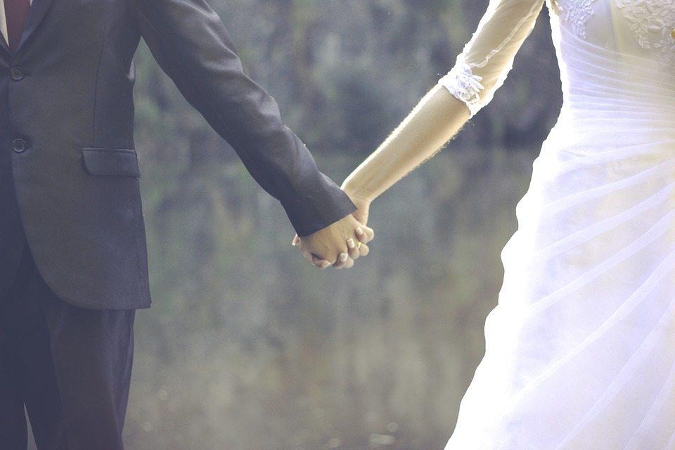 Tìm hiểu về ảnh cưới và những bức ảnh cưới chụp ngoại cảnh đẹp và độc đáo